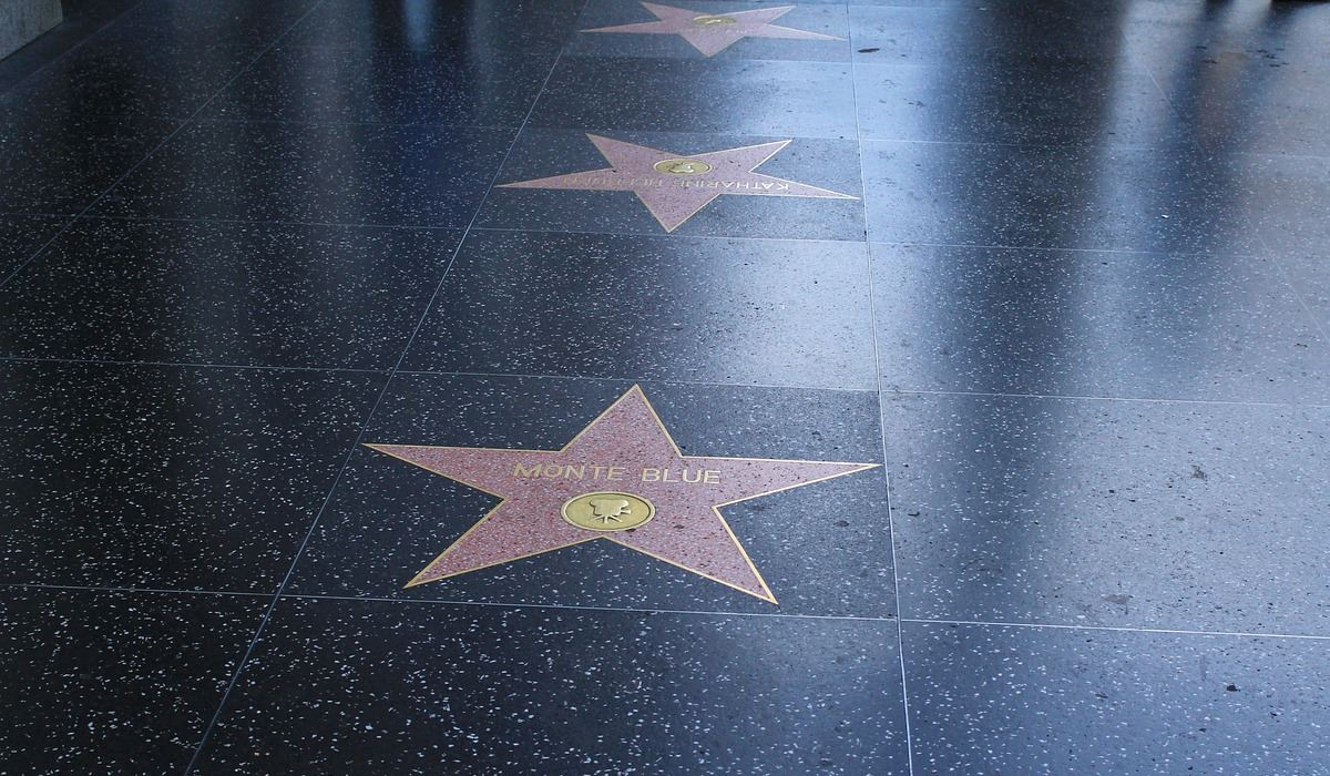 Passeio da Fama de Hollywood com novas estrelas
