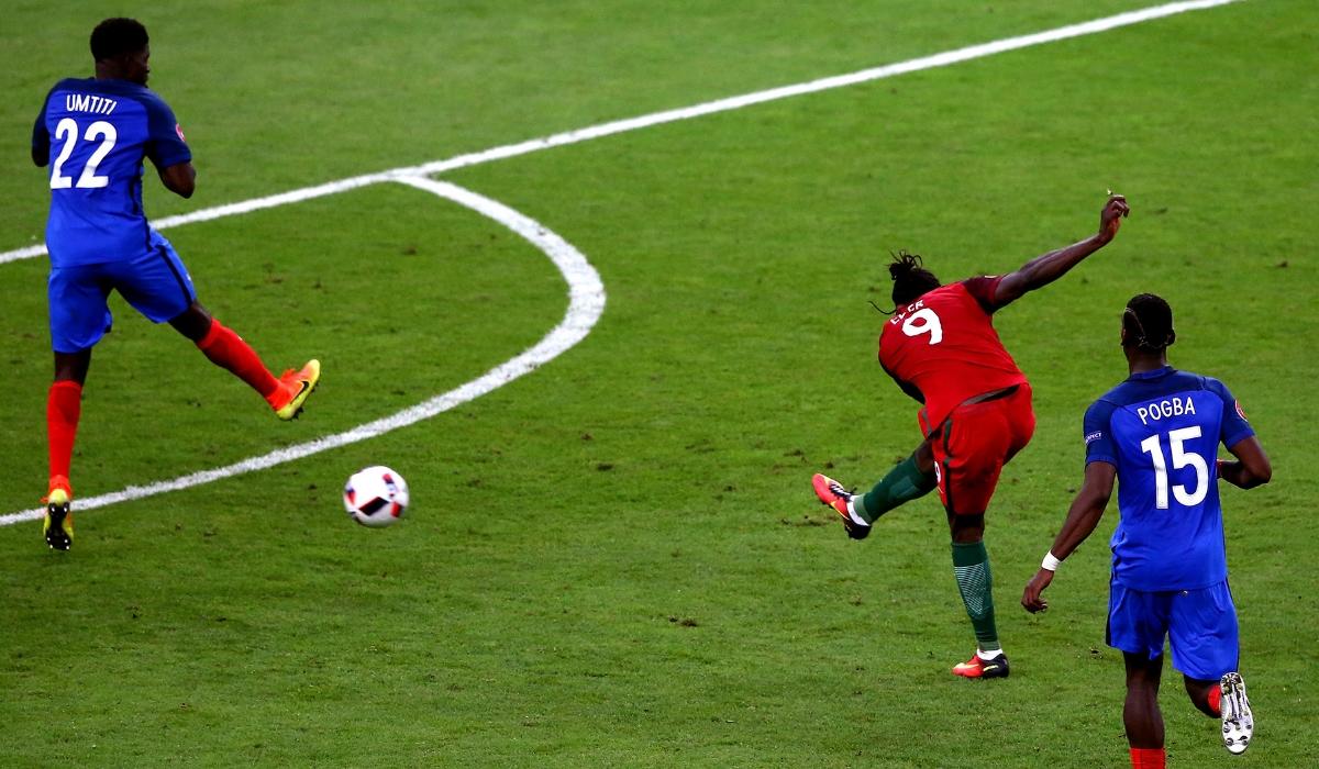 Bola da final do Euro 2016 vai a leilão