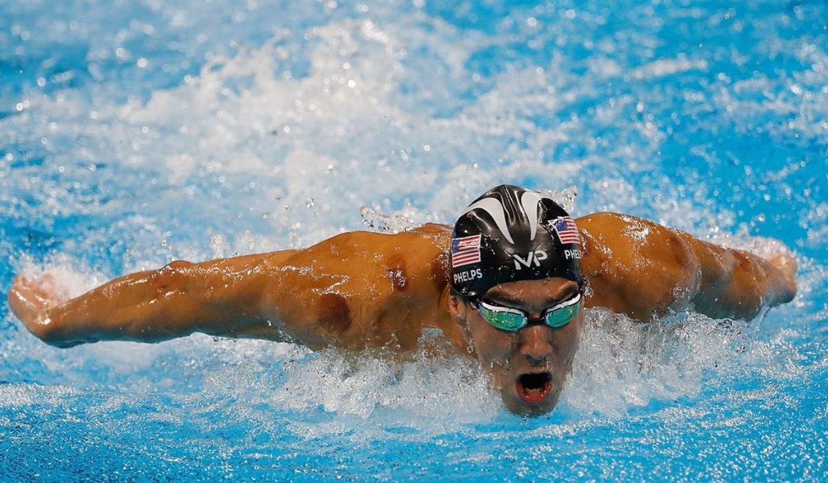 Michael Phelps contra um tubarão, quem ganha?
