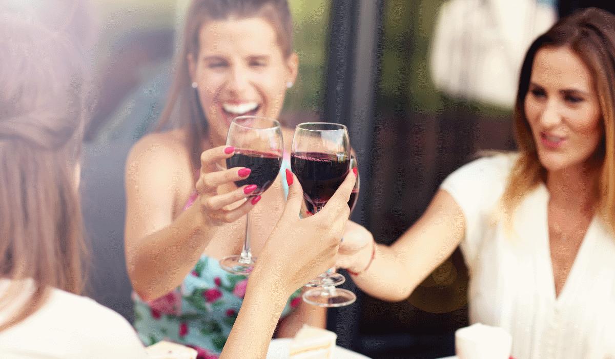 Devem (ou não) as mulheres beber vinho tinto?