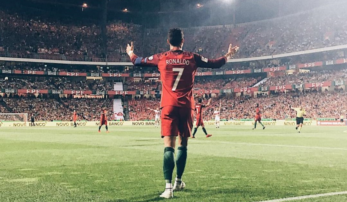 Fernando Santos faz revolução sem Ronaldo
