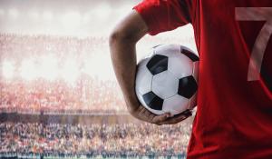 De polvo e paineleiros se faz o futebol português
