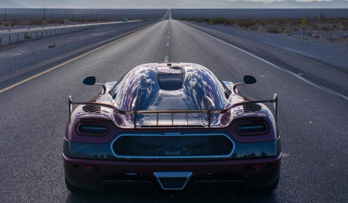 Koenigsegg ultrapassa Buggatti e é o mais rápido