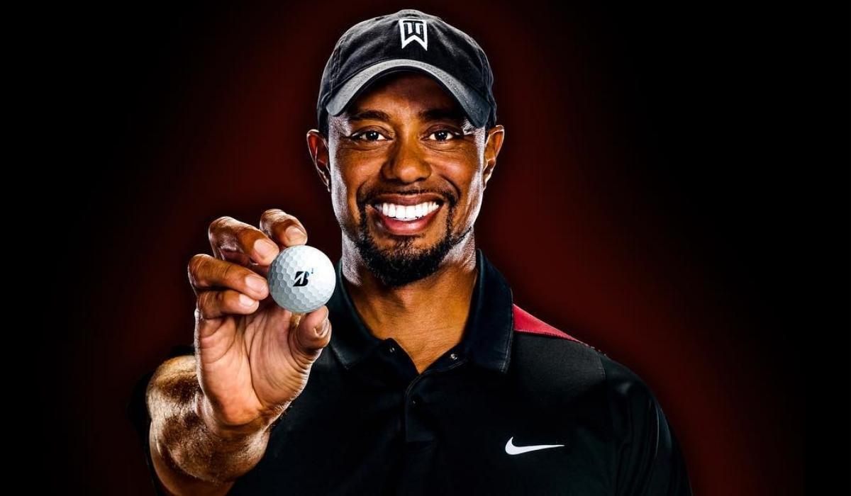 Tiger Woods regressa à competição