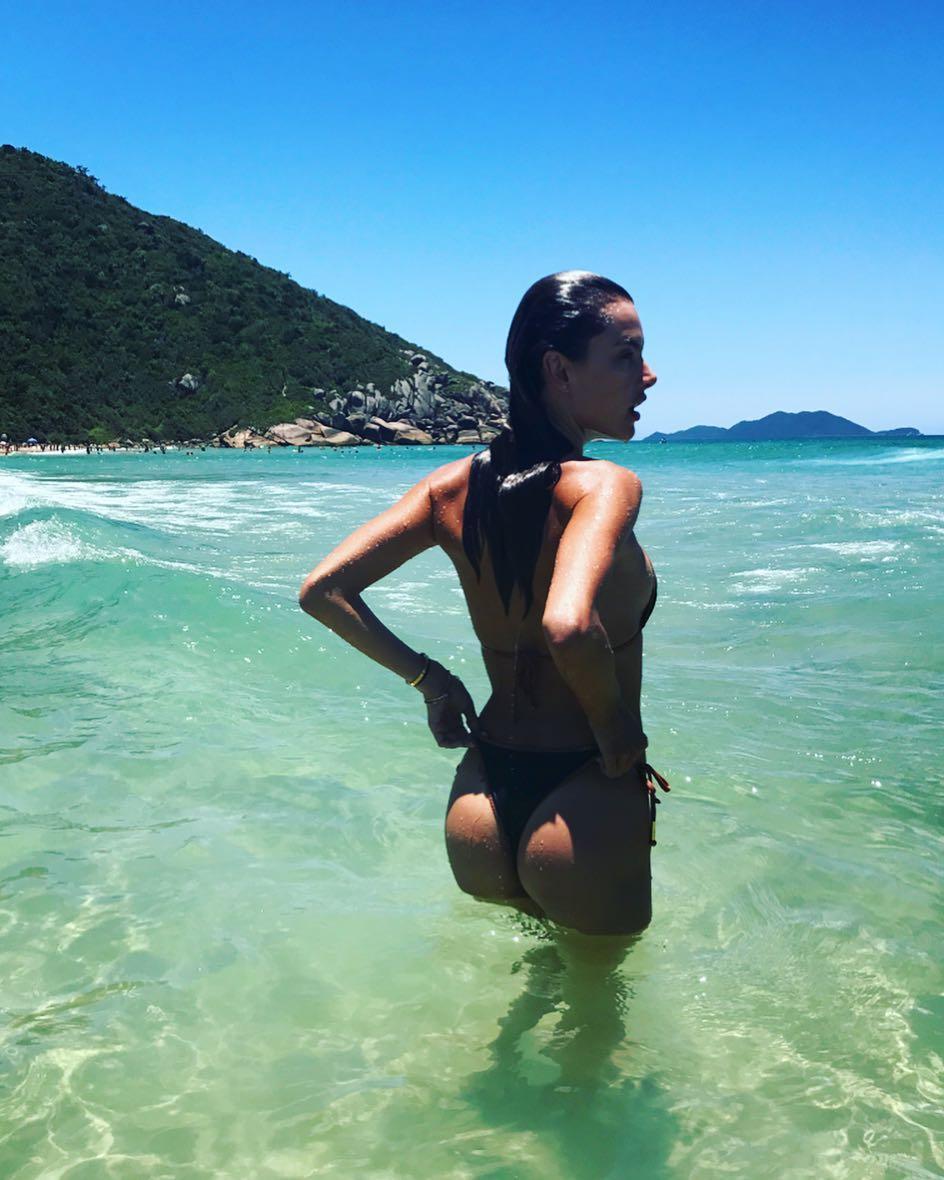 Alessandra Ambrosio é a solteira mais desejada