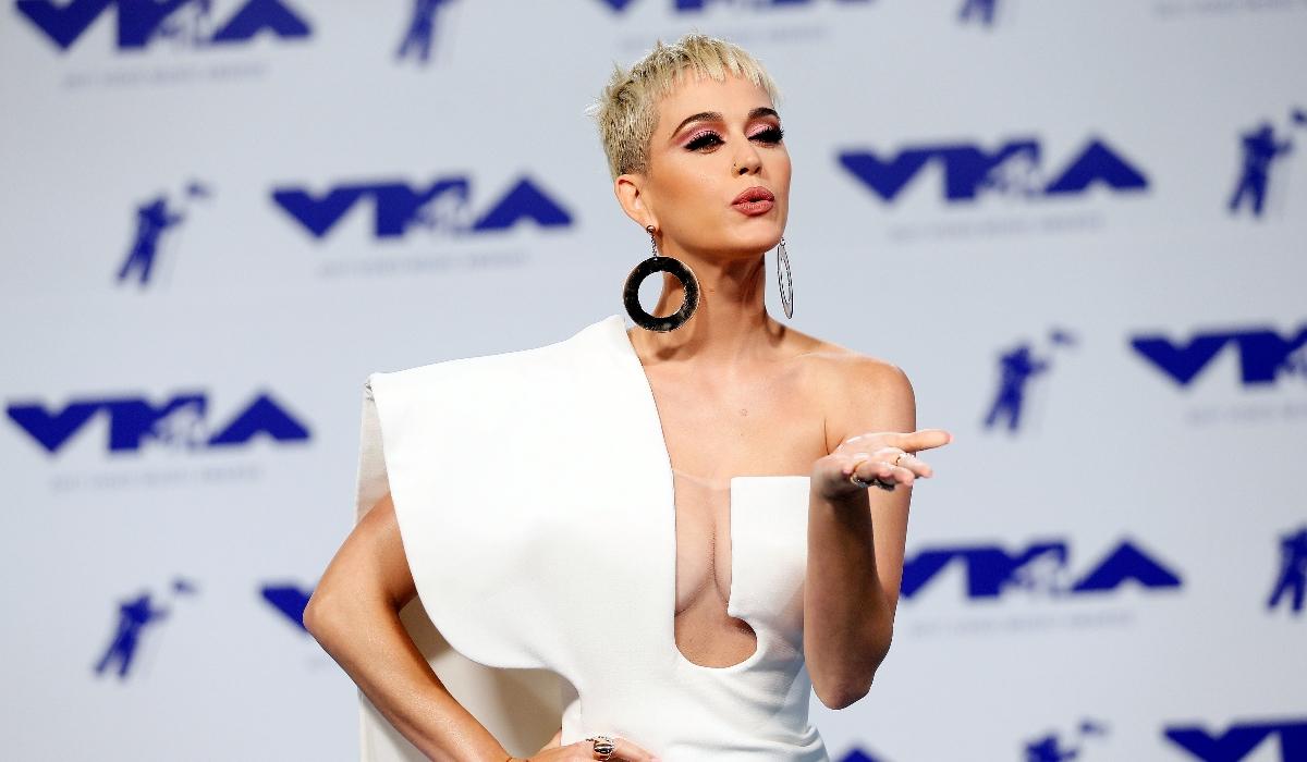 Katy Perry e o beijo da discórdia