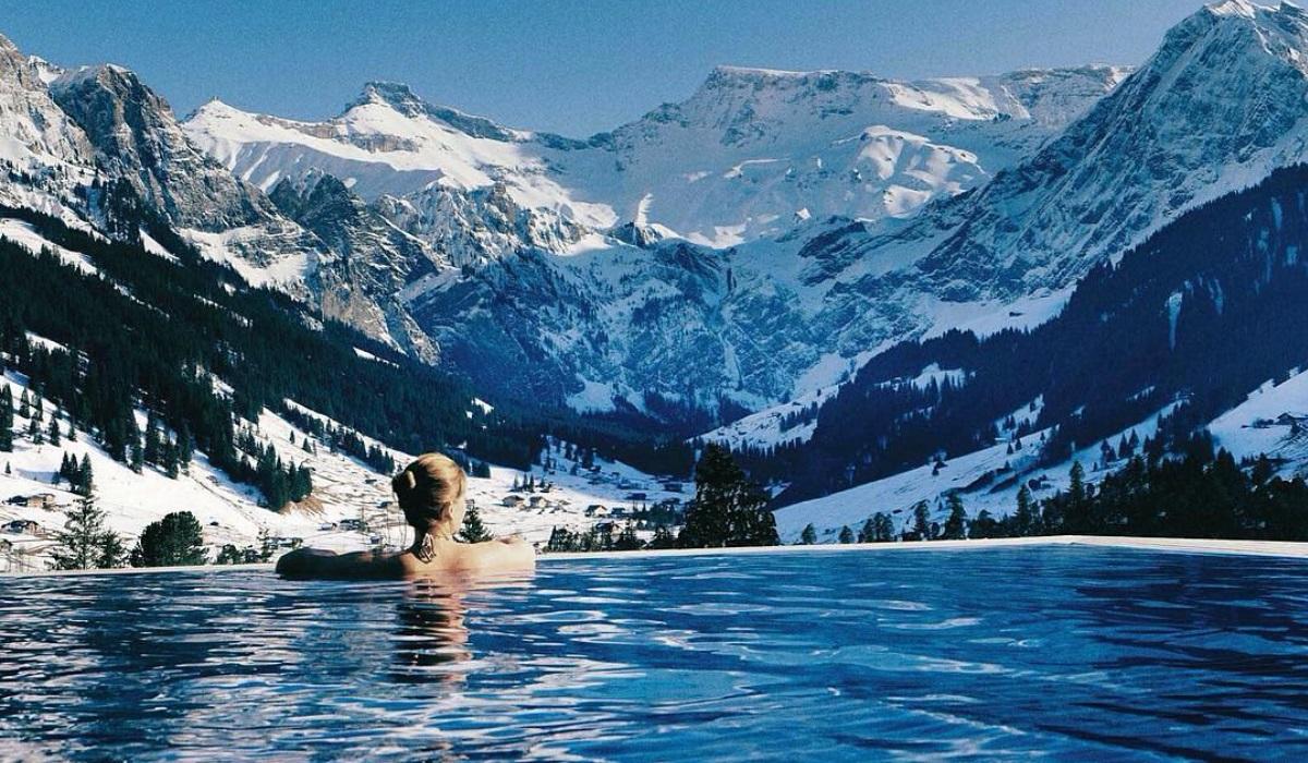 7 piscinas incríveis para sonhar com férias