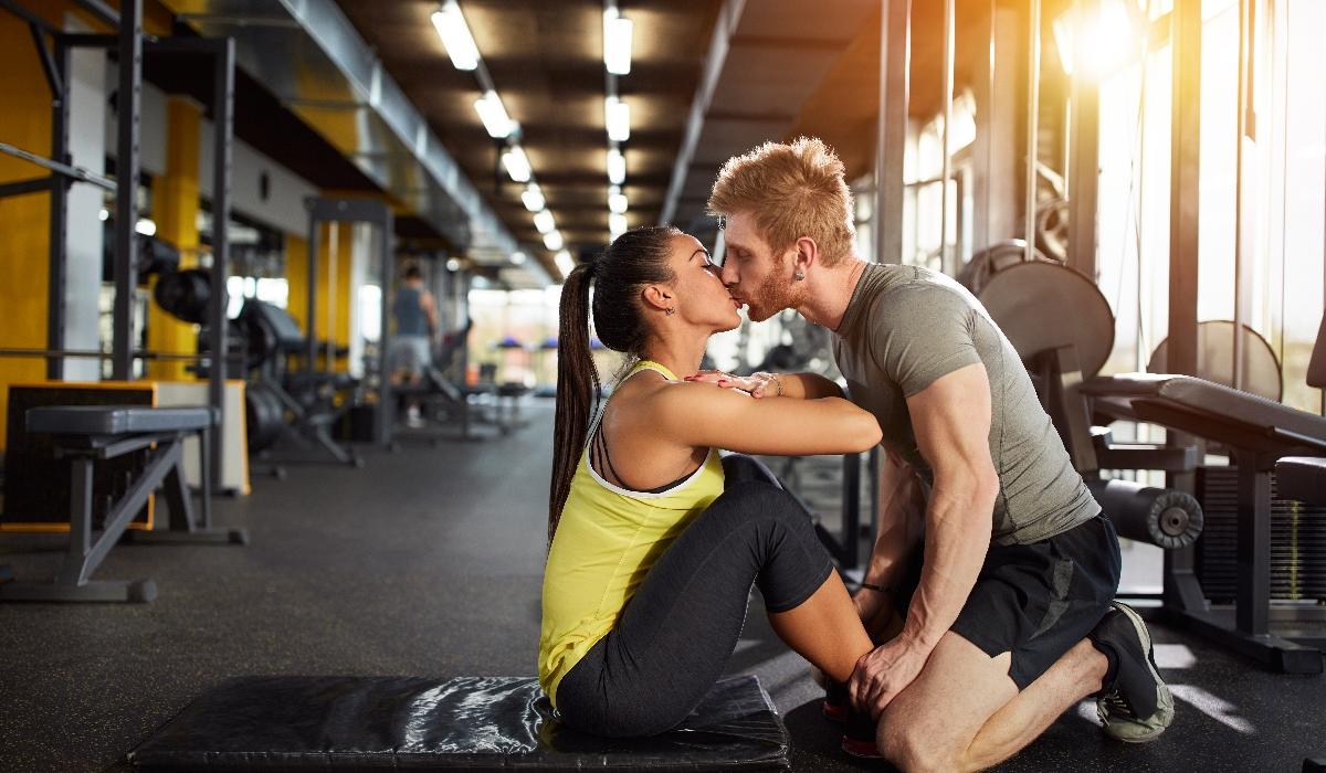 Estudo revela que uma em cada 10 pessoas atinge o orgasmo no ginásio