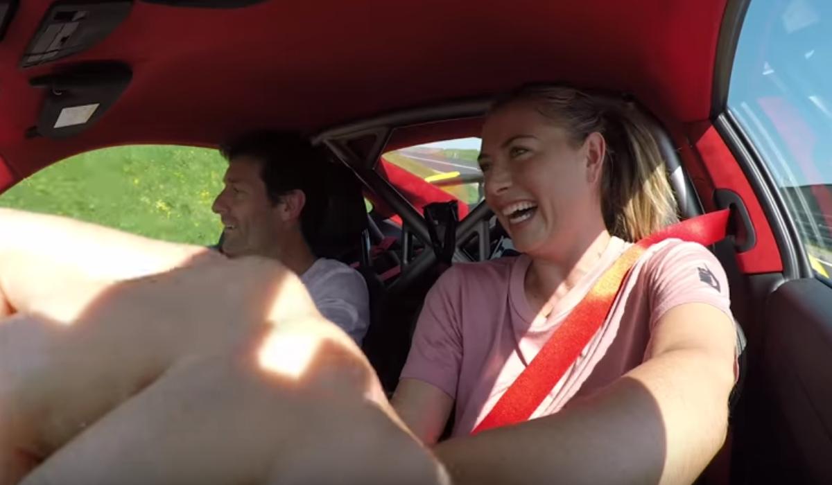 Sharapova prego a fundo ao volante do Porsche 911 mais potente de sempre