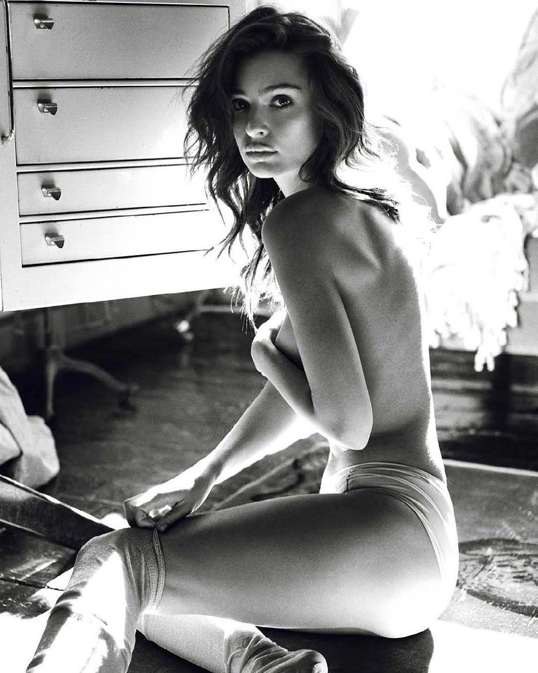 Emily Ratajkowski é a maior defensora da exposição corporal feminina