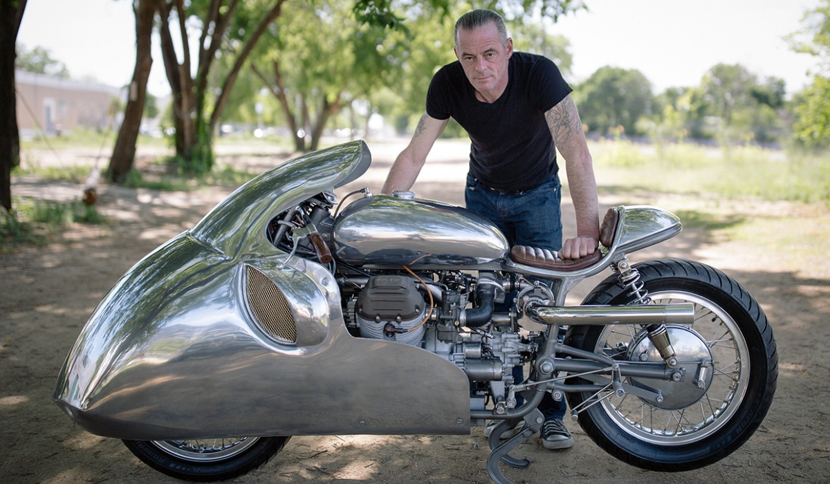 Conheça o rei das personalizações de motas