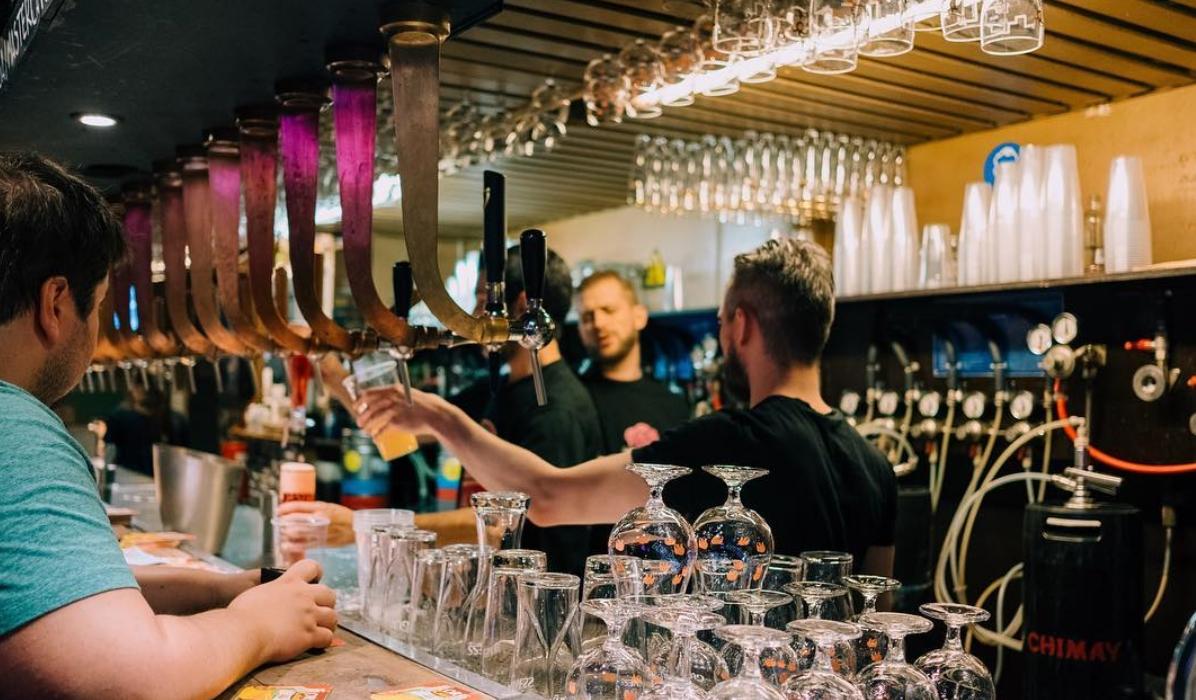 Este é o bar com a maior carta de cervejas do mundo
