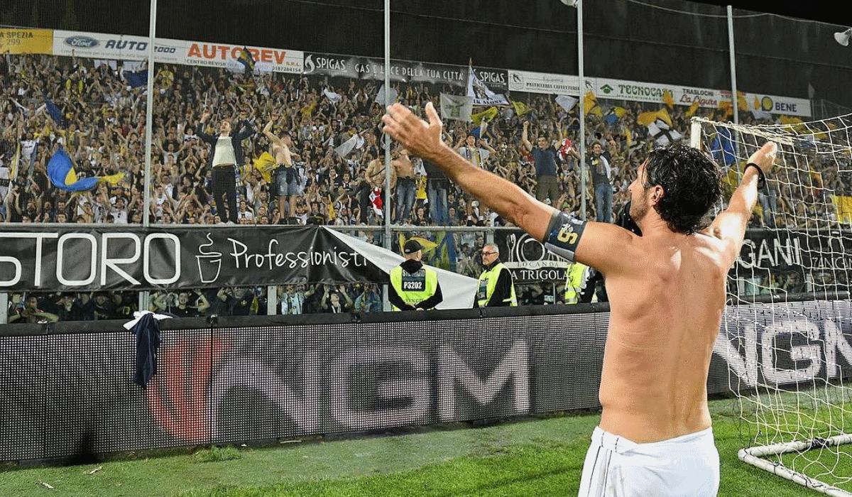 Parma, o gigante caído em desgraça está de volta à Serie A