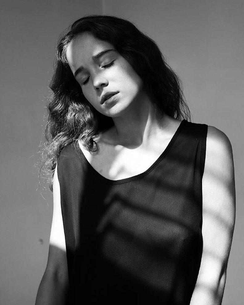 Alba Baptista, a atriz que deixa todos de boa aberta