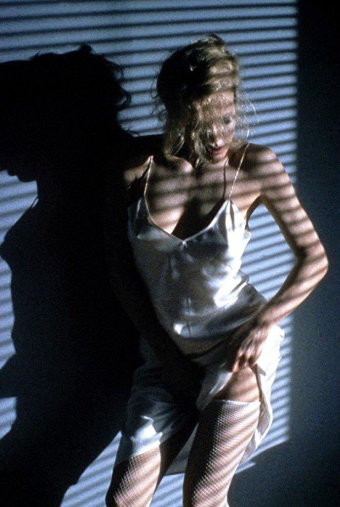 15 mulheres sensuais que marcaram os anos 90 (e uma delas é portuguesa)
