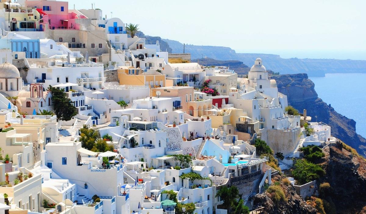 8 paragens obrigatórias na ilha de Santorini