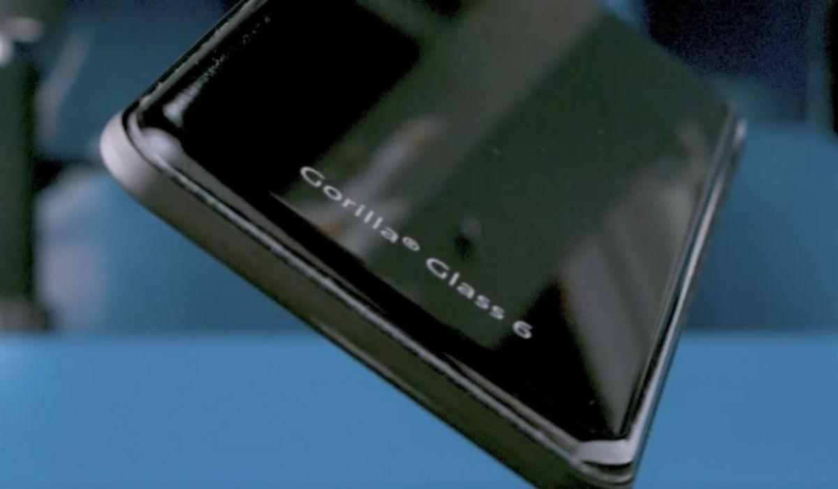 Vem aí o vidro que protege os telemóveis das quedas