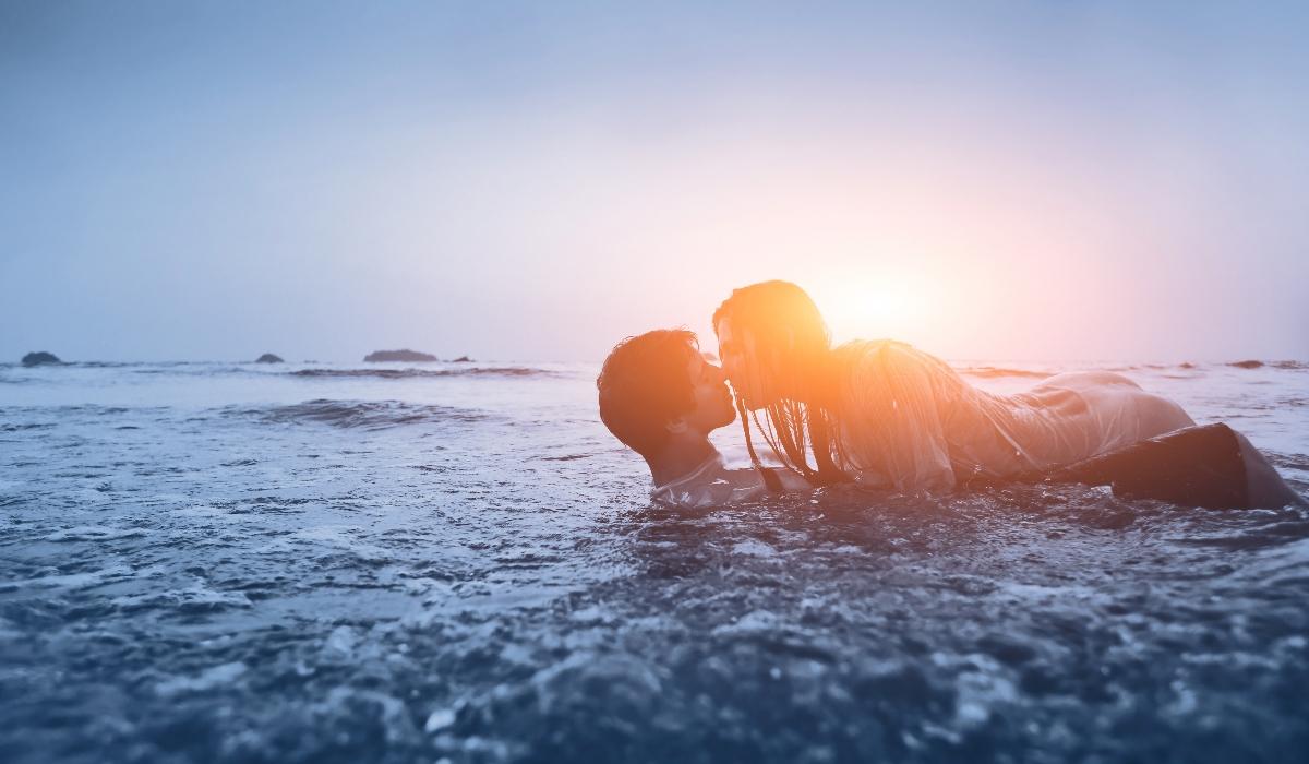 O verão é cientificamente a época do sexo