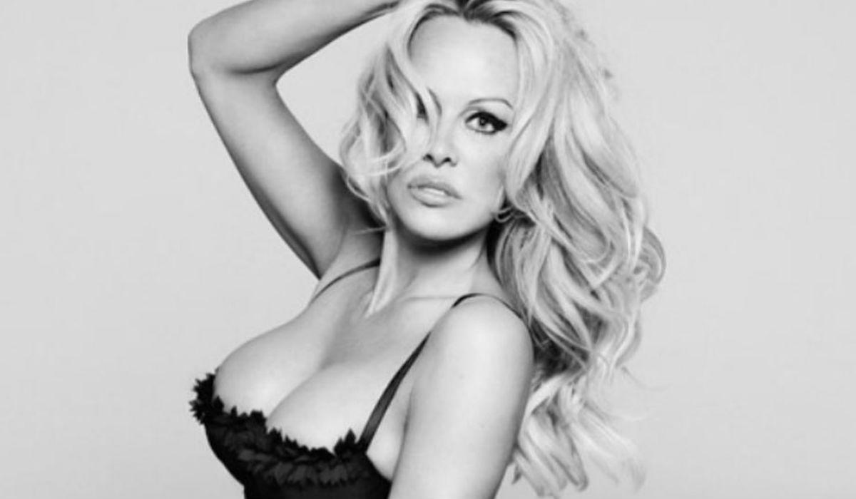 Pamela Anderson e como sexo a três não é a cena dela