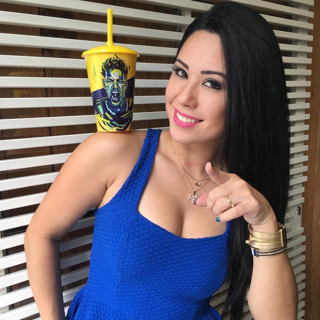DEBATE sobre belleza, guapura y hermosura (fotos de chicas latinas, mestizas, y de todo) - VOL II - Página 3 Raquelfreestyle_34349935_203864866924470_2526217124041457664_n