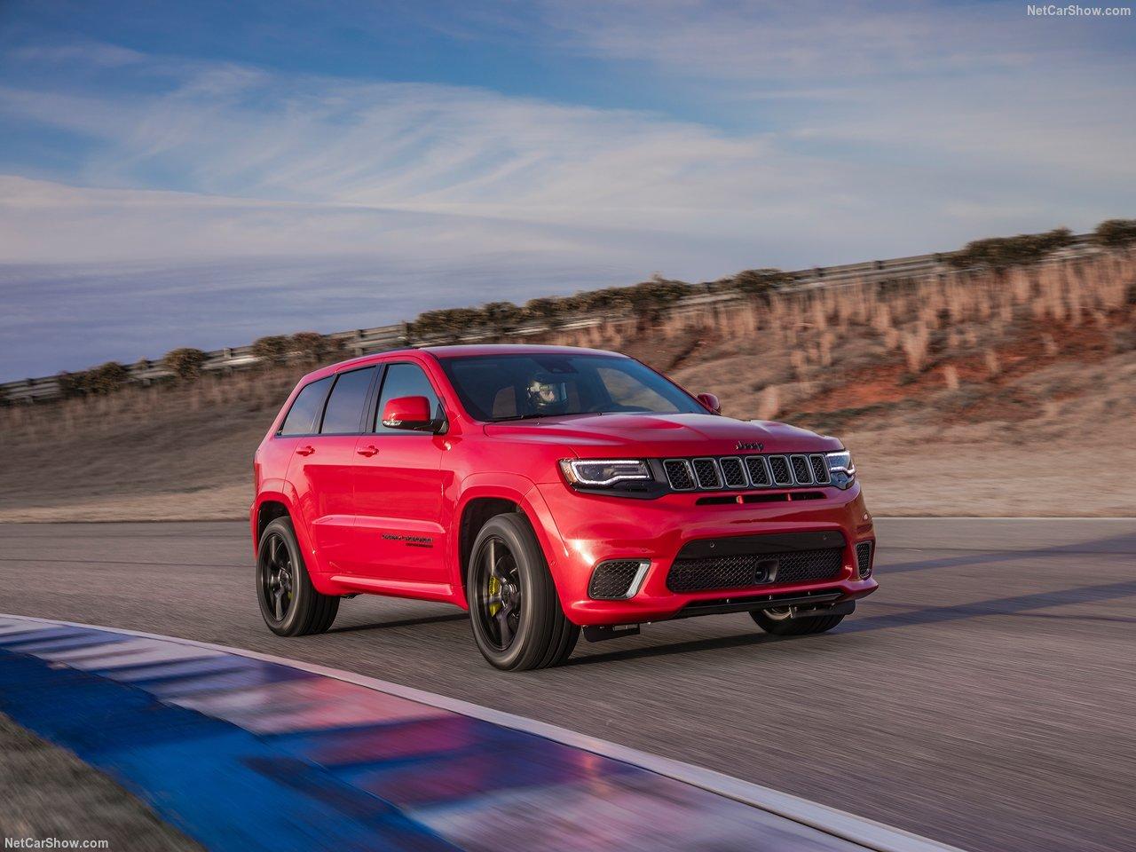 Jeep Grand Cherokee Trackhawk leva Cristiano Ronaldo dos 0 aos 100 km/h em 3,5 segundos