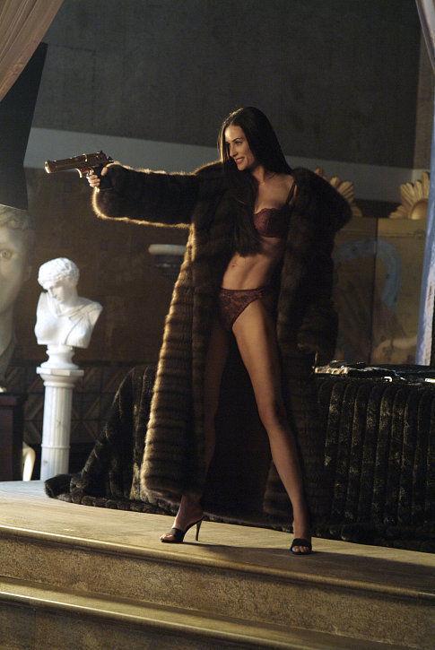 Demi Moore regressa em grande forma para arrasar com Bruce Willis