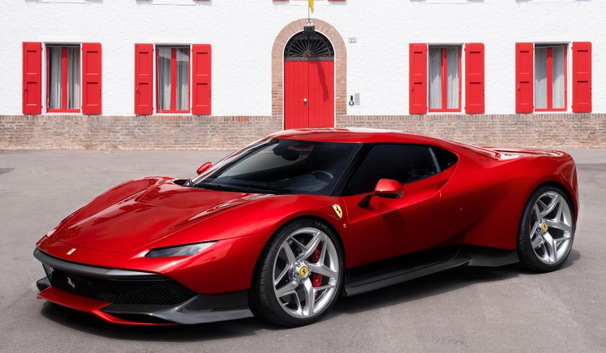Ferrari vai lançar 15 novos modelos até 2022