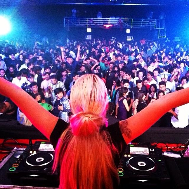 19 DJs portuguesas que nos dão música (e não só)