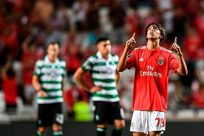 Eusébio e mais 10 no melhor onze de sempre da formação do Benfica