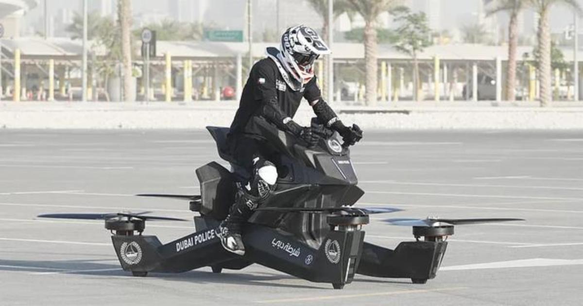 """Os fãs de """"Stars Wars"""" já podem pré-encomendar a primeira hoverbike pessoal do mundo"""