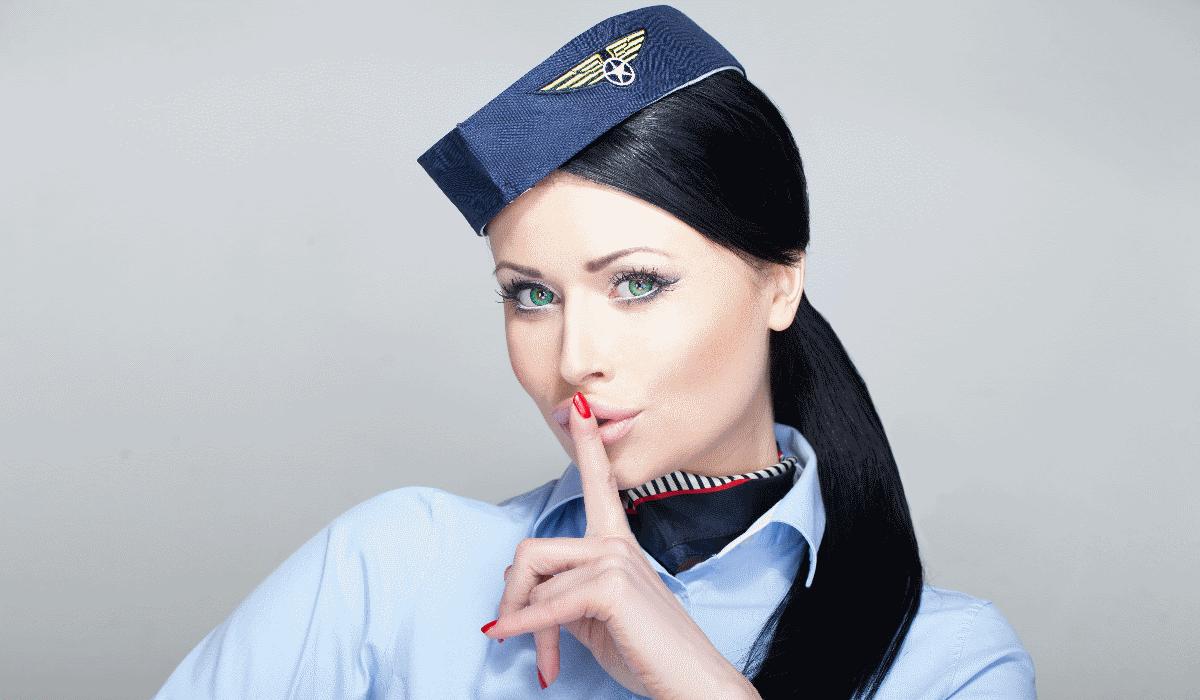 Hospedeiras de bordo partilham 9 segredos para que as suas próximas férias sejam perfeitas