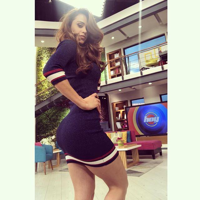 "Yanet Garcia, de mais sexy do mundo ao namorado que a trocou por ""Call of Duty"""