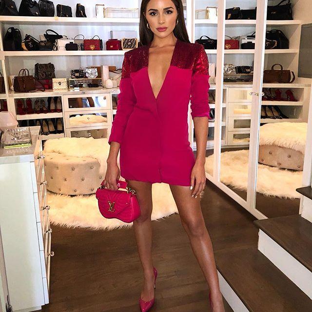 Olivia Culpo, a ex-Miss Universo que leva os fãs à loucura enquanto o namorado se diverte com outra