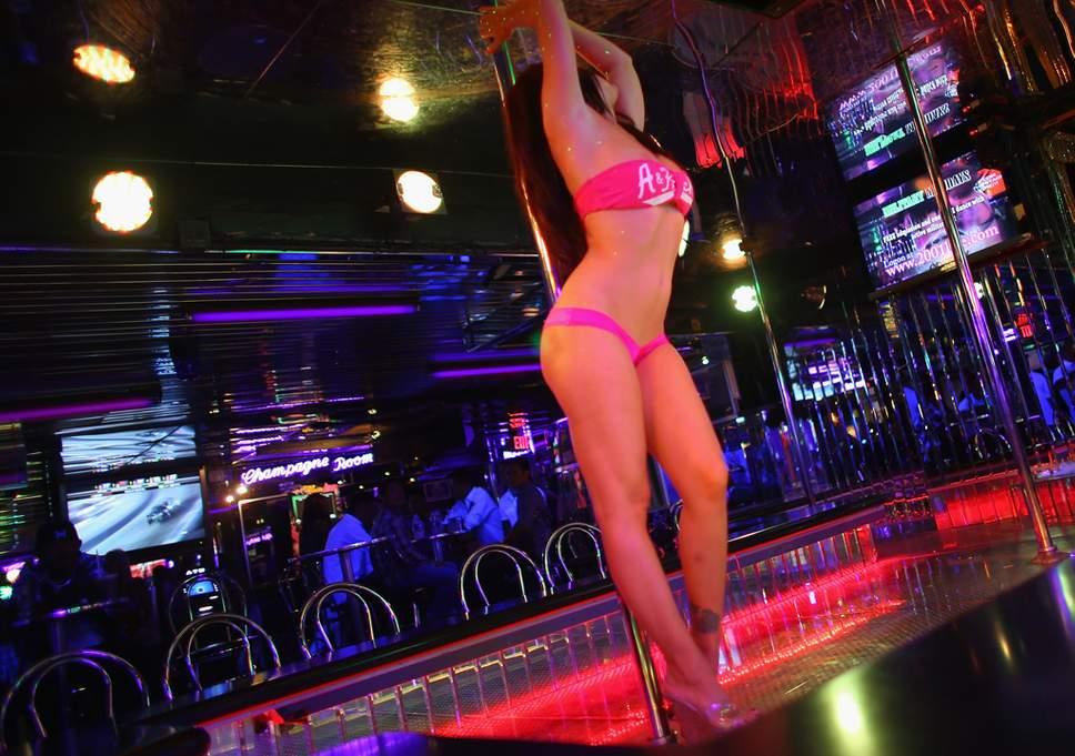 Cerveja A 1 Euro Clubes De Strip E Muito Mais Na Wikinight