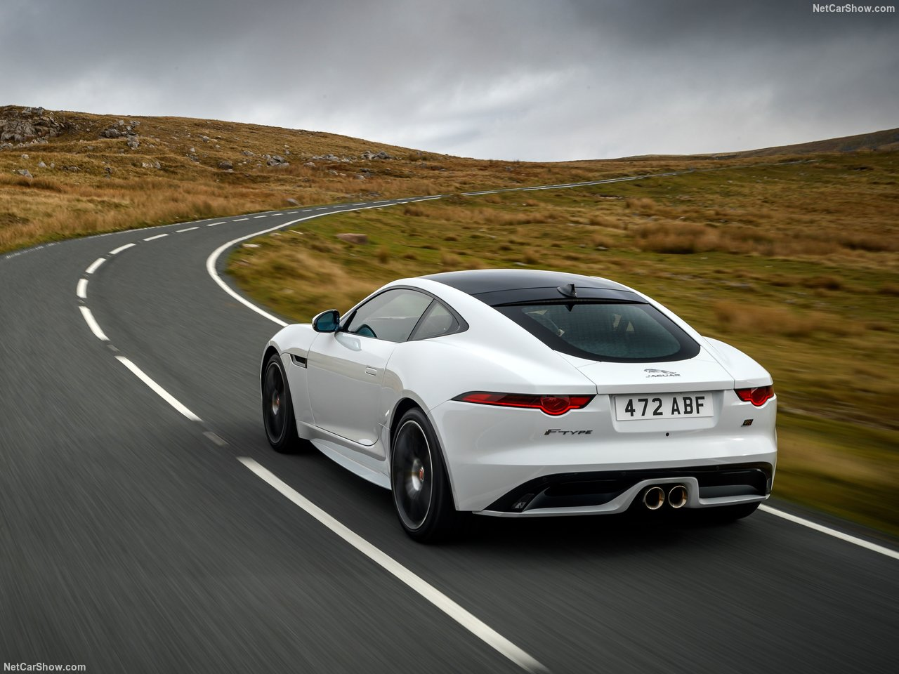Jaguar F-Type Checkered Flag Limited Edition festeja os 70 anos de modelos desportivos