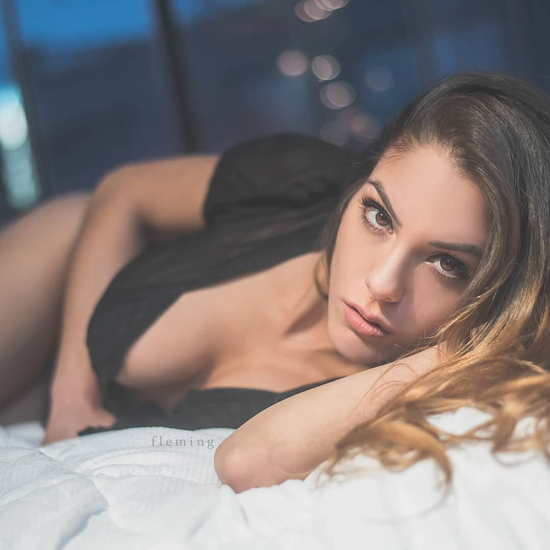 Katherine Metha, a fotógrafa de casamento detida por fazer sexo com convidado e não só