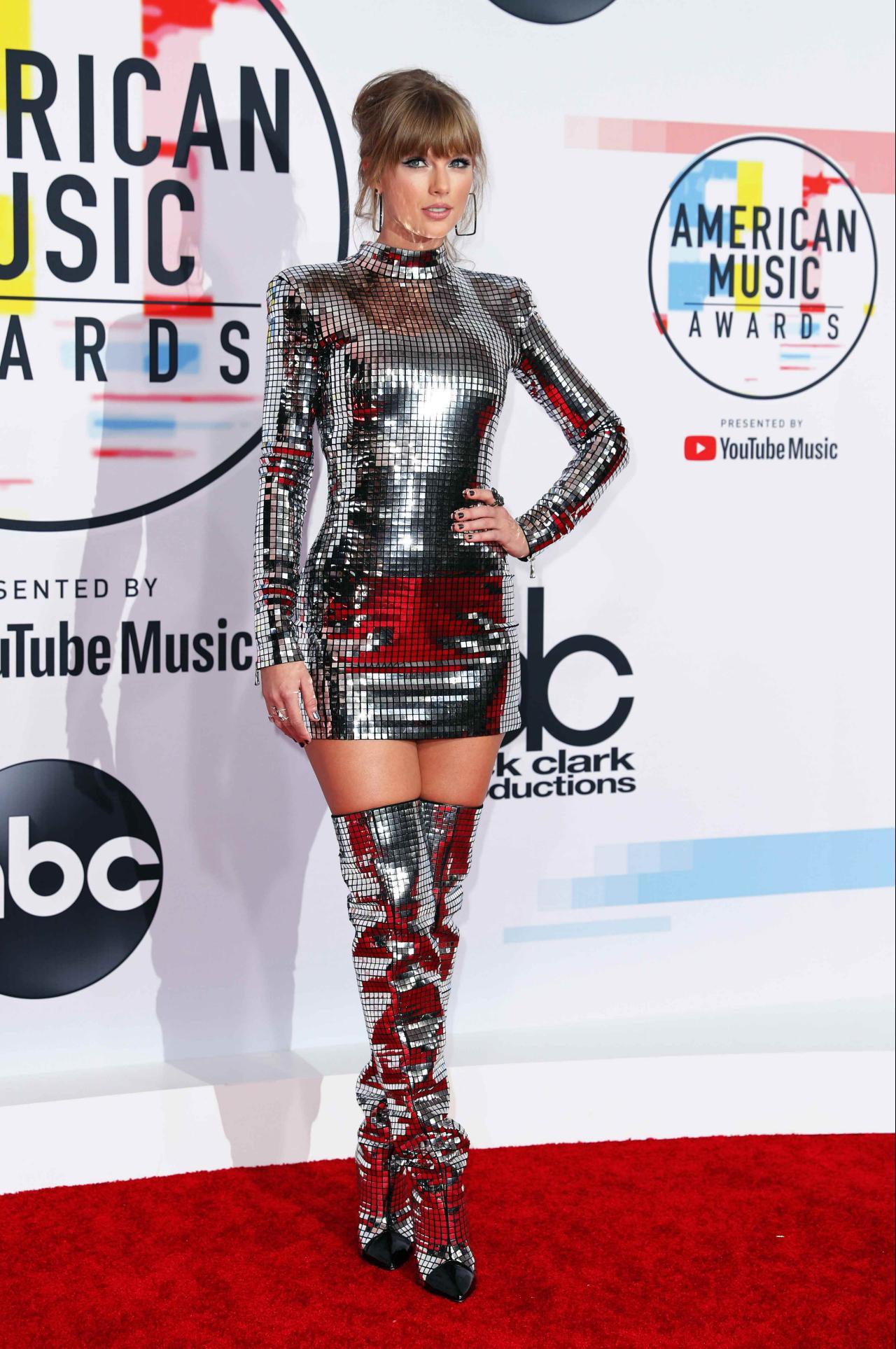 Taylor Swift recorre a tecnologia inovadora para apanhar stalkers nos concertos