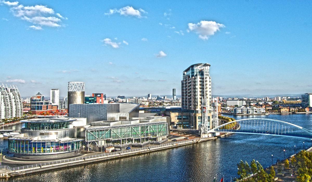 Manchester, a cidade que respira futebol e rivaliza com Londres em tudo o resto