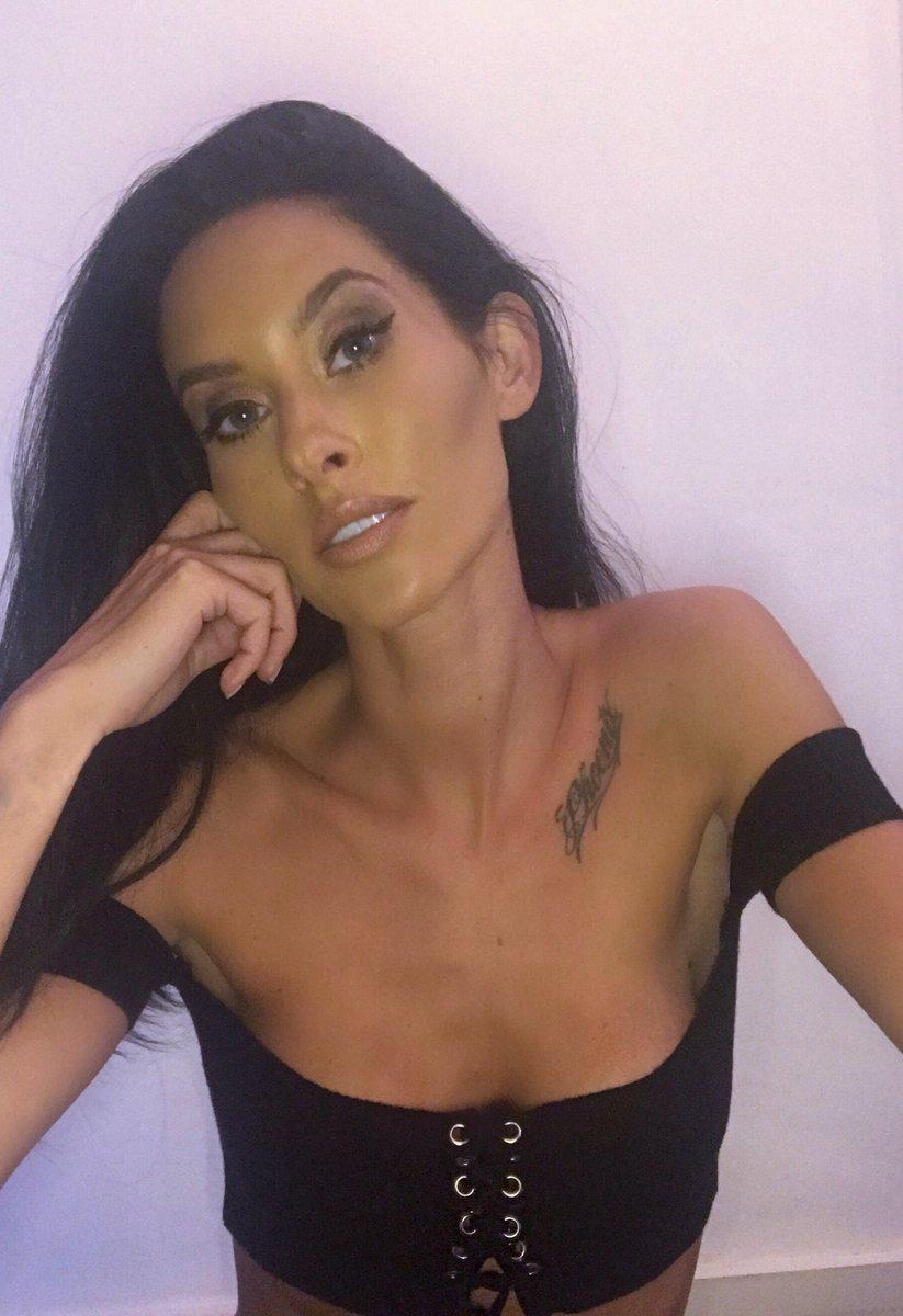 """Jasmine Lennard acusa Cristiano Ronaldo de ser """"um psicopata"""""""
