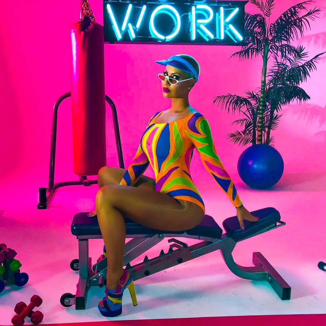 Instagram enlouquece com nudez de Amber Rose, a rival de Kim Kardashian