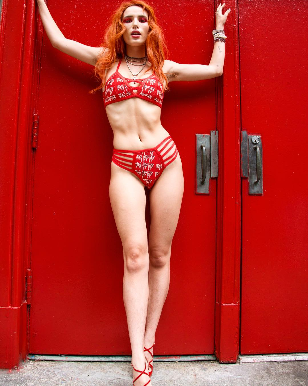Bella Thorne perde trabalhos depois de assumir bissexualidade