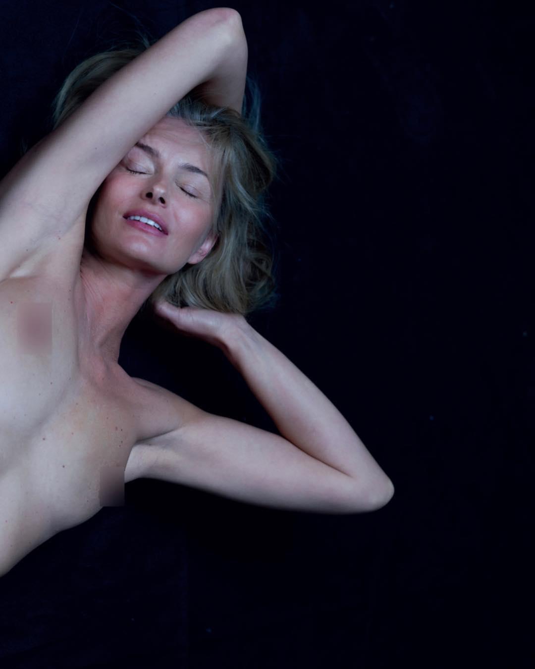 Paulina Porizkova, a modelo de 53 anos que faz corar de inveja as mulheres mais novas