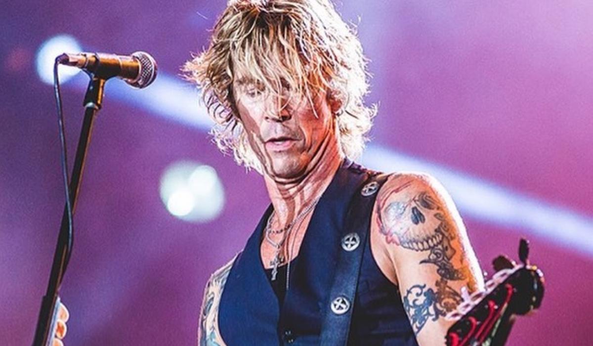 Duff McKagan, da revelação que vem aí novo álbum dos Guns N' Roses à heroína ter dizimado os seus amigos e namorada