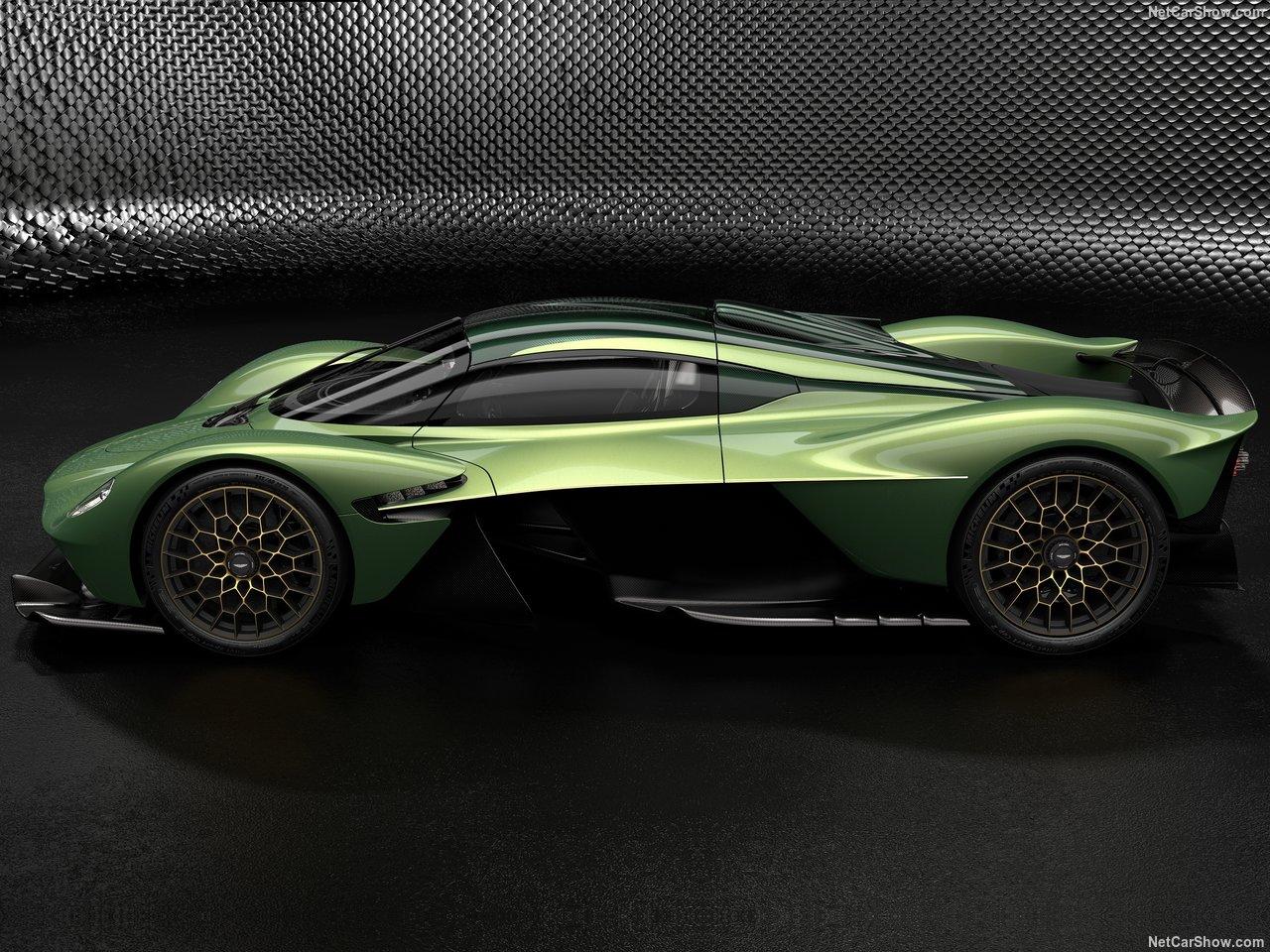 Aston Martin Valkyrie tem 1000 cavalos, custa dois milhões de euros e irá fazer 150 pessoas felizes