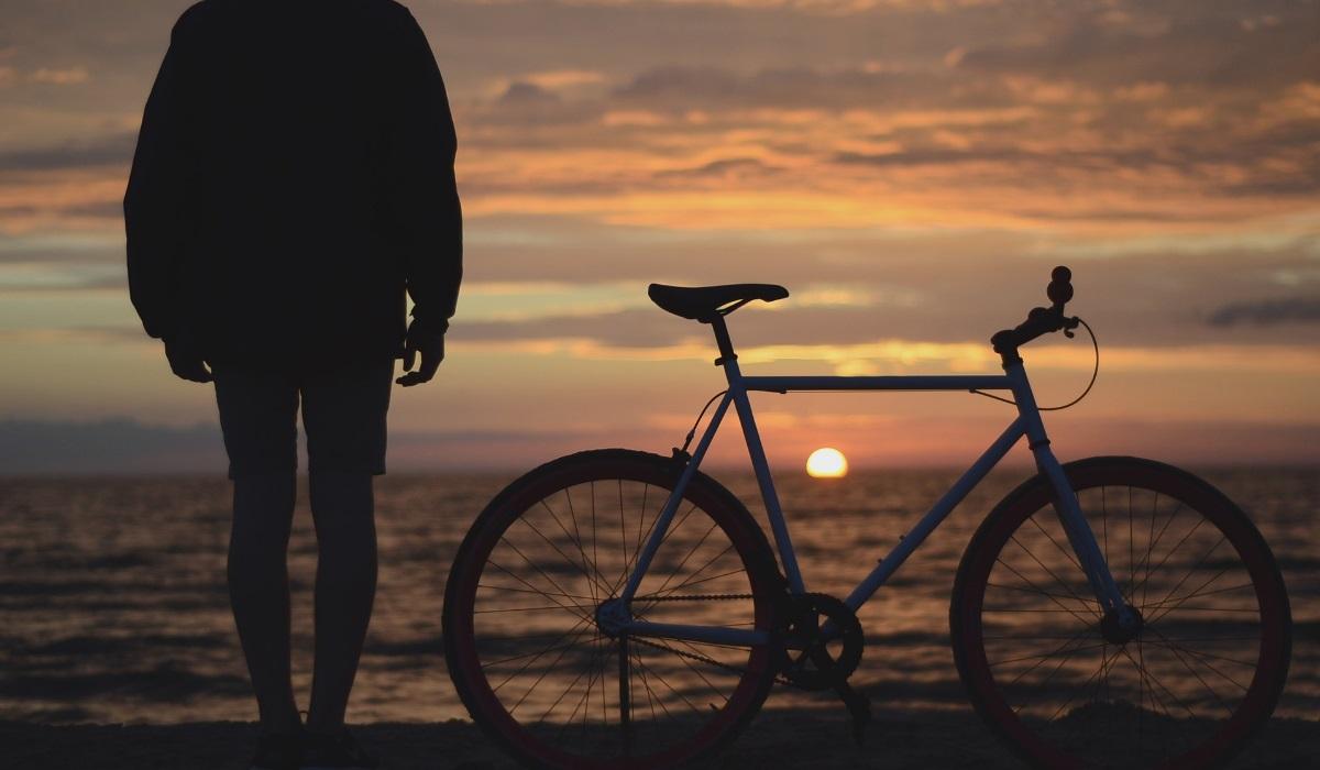 De Bordéus a Bilbau, a pedalar e a surfar numa aventura de 8 dias