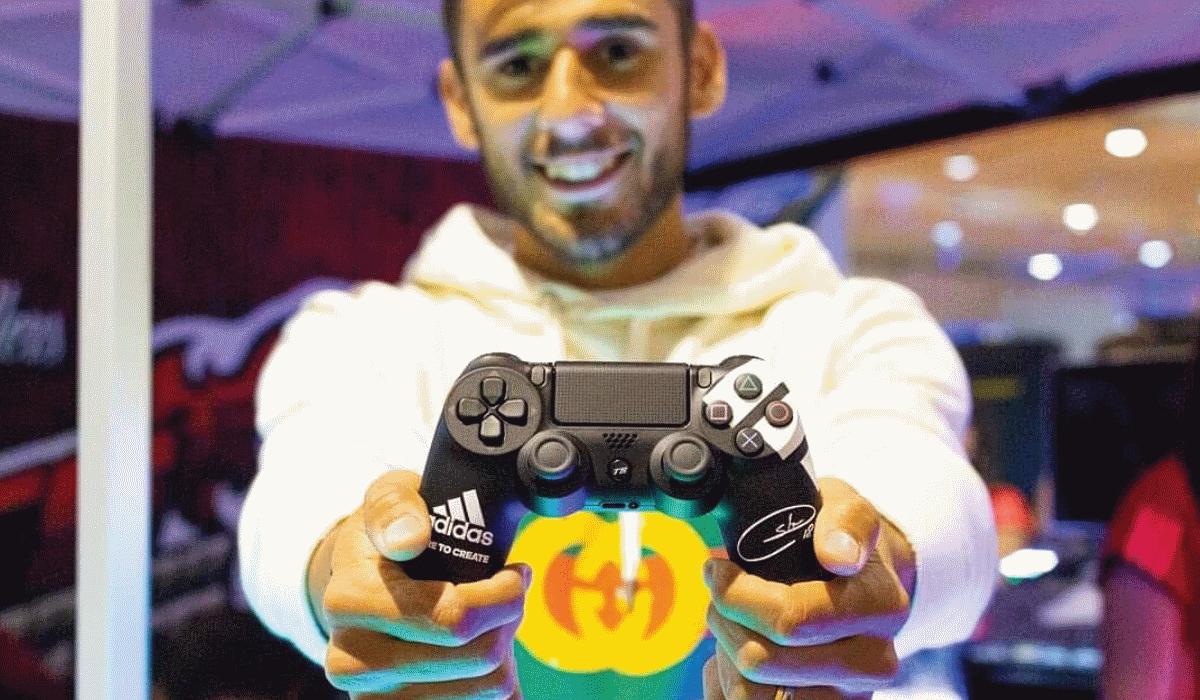 Eduardo Salvio troca relvados por comandos personalizados para a PlayStation 4