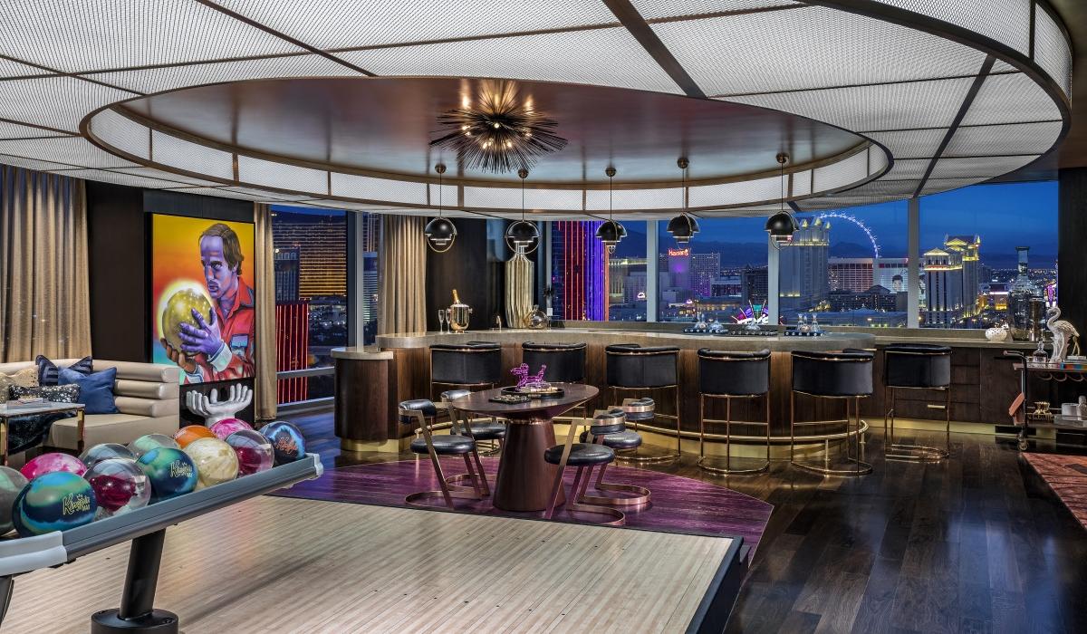 Hotel cria suites com campo de basquetebol e pista de bowling