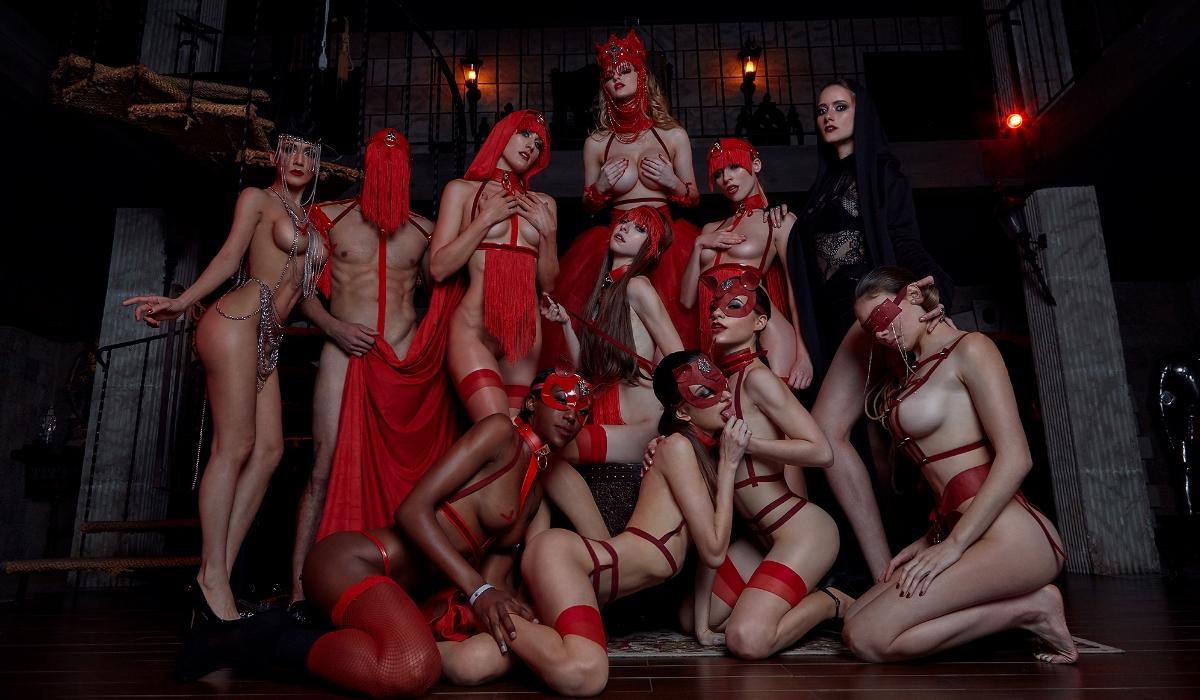 Kinky Rabbit, as festas que acabam sempre em orgias sexuais