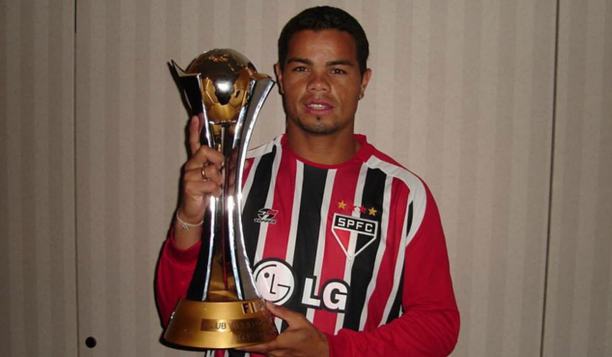 Flávio Donizete está de volta ao futebol depois de ter destruído a carreira por causa da cocaína
