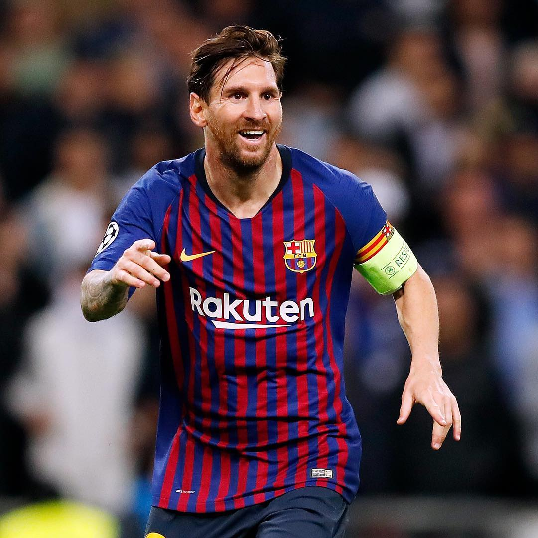 De Cristiano Ronaldo a Messi, estas são as 12 ovações de adeptos rivais que marcam a história do futebol